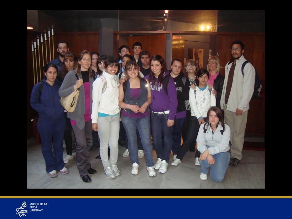Profesores y liceales visitan el Museo.